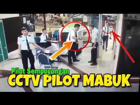 Rekaman CCTV Pilot CityLink Mabuk Sempoyongan Saat Check In Di Bandara