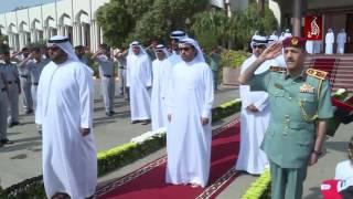 صاحب السمو الشيخ حمد بن محمد الشرقي يرفع علم الامارات احتفالا بيوم العلم