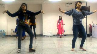 Bollywood Dance steps by Girls of AIIMS