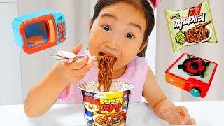 뽀로로 짜장면이 부족할땐 보람이를 불러주세요! 똘똘이 주방놀이 장난감으로 요리놀이! Pororo Noodle