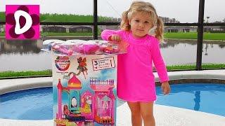 Барби ПОДАРКИ Под Подушкой на Св.Николая для Дианы Замок Barbie Принцессы и Много Игрушек для Детей