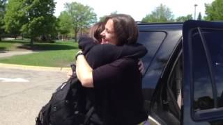 Military daughter surprises twin sister with visit