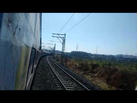 Indian railways train  Ferozpur -Mumbai Punjabmail overtaking Mumbailocal Train |Maharashtra,India|