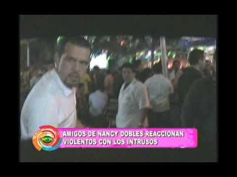 AMIGOS DE NANCY DOBLES LE ARMAN BOCHINCHE A LOS INTRUSOS