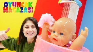 Ayşe'nin oyuncak mağazası. Gül'e yeni duşa kabin!