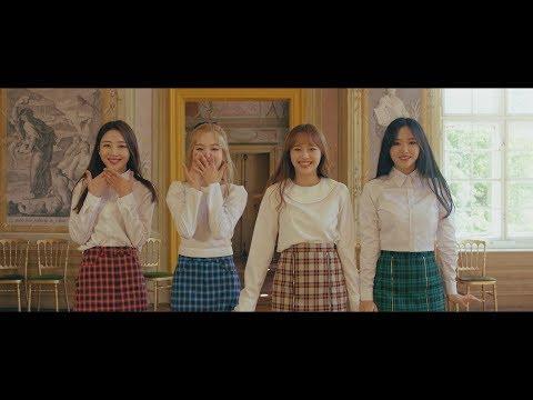 "[MV] 이달의 소녀 yyxy (LOONAyyxy) ""love4eva (feat. Grimes)"""