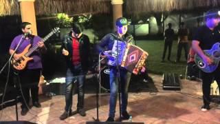 Los Nuevos Ilegales y Jesus Favela - El Car Wash (En Vivo)(2016)