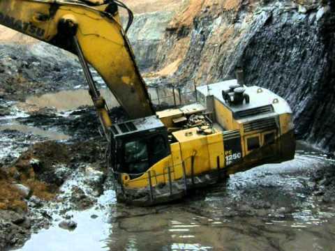 Komatsu PC1250 Stuck in mining pit