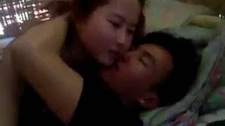 myanmar + ကခ်င္မေလး kiss ေပးတာ ၾကက္သိမ္းေတာင္ထဒယ္ ဂဲဘဲ ဂဲဘဲ