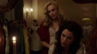 Dracula Lucy Loves Mina