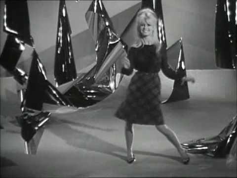 Xxx Mp4 Brigitte Bardot Sings L Appareil à Sous 1963 3gp Sex