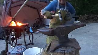 how to make a knife from a horseshoe.