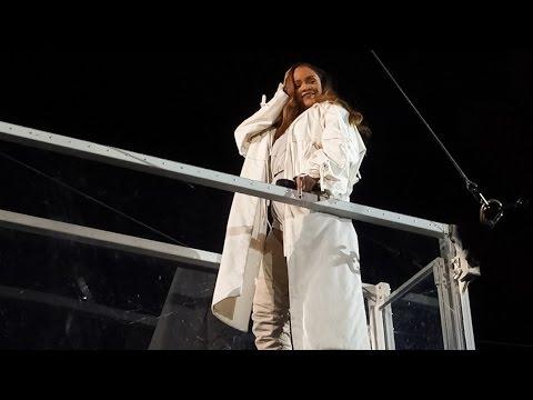 Rihanna - Sex With Me Live @ Stade de France, Paris, 2016