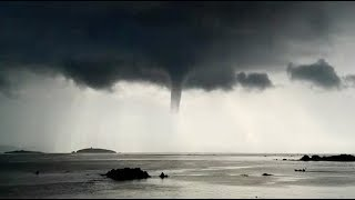 Long-lasting Waterspout Spotted in China