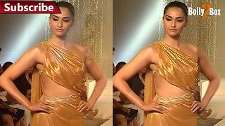 HOT Sonam Kapoor Turns Showstopper For Pernia Qureshi's Fashion Show | Bolly2box