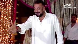 Sanjay Dutt's FUNNY Moments With Reporters Will Blow Your Mind At Aamir Khan's Diwali 2016