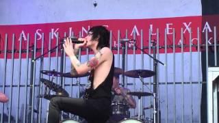Asking Alexandria - The Black (live)