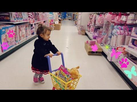 Xxx Mp4 Cute Little Girl Doing Shopping TOYS R US Toy Shopping Cart 3gp Sex