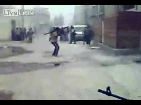 terrorista idiota quase se mata com bazuca