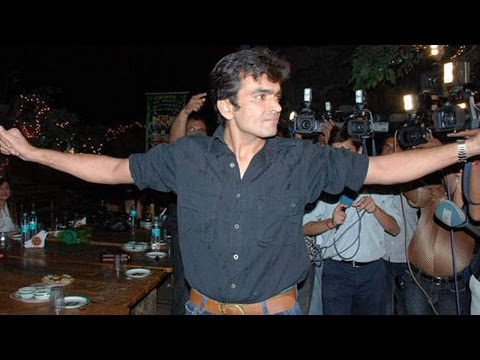 Bollywood actors CAUGHT DRUNK | PARTY footage LEAKED