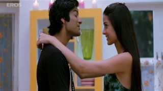 Giselli Monteiro caught with her guy - Always Kabhi Kabhi