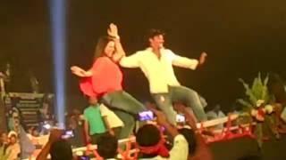 Chhalakata hamro jawaniya पवन सिंह- अक्षरा सिंह stage Show