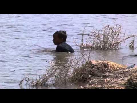 pendiente 2 gente banandose rio bravo