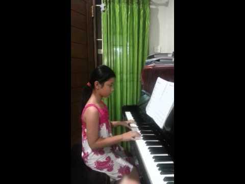 Piano Lagu Burung Kakatua Mp4