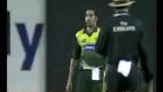 Yousuf Pathan Abuses to Umar Gul