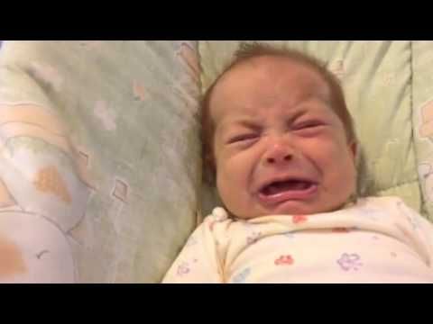 Mama pjeva bebi