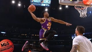2018 Verizon Slam Dunk Contest - Second Round / Feb 17 / 2018 NBA All Star Weekend