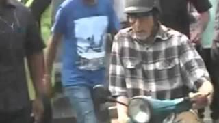 Te3n Movie Video :: Amitabh Bachchan, Nawazuddin on a scooter in Kolkata Red road