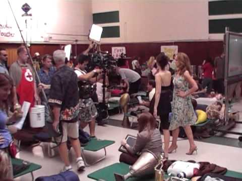 Behind The Scenes 7 27 07 on the set of Weeds Season 3 Episode 15 Clip2