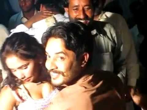 Mujra on Dr.Malik Munnawar Khokhar Wedding 2 6 Rodu Sultan Jhang