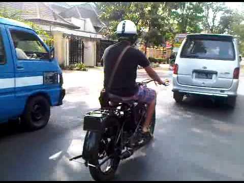 OK SUPREME JAP 500cc th 1928 BERKELIARAN DI MALANG INDONESIA.3GP