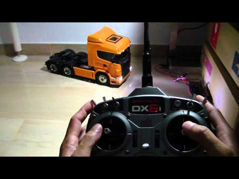 Tamiya Scania R620 with MFC 01 demonstrating its special functions controlled via a Spektrum DX6i