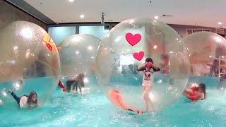 BRINCANDO DE HAMSTER COM AMIGAS YOUTUBERS ★ Bolha Gigante na Água ★ Aquaball na Piscina do Shopping!