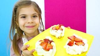 #FındıkAilesi. Elis Mikail'e sevgililer günü için pasta yapıyor. #aileoynu
