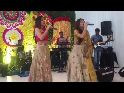 Sukriti and Prakriti singing at a Mehndi party in Bali recently ❤