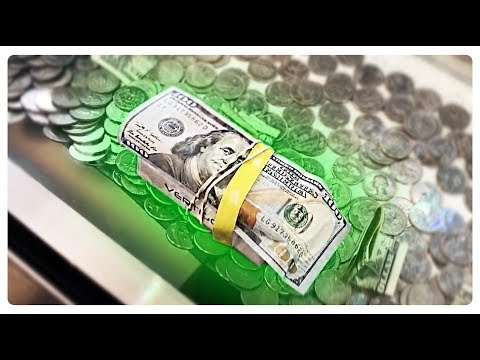 COIN PUSHER 100 BILL IPOD ON THE EDGE