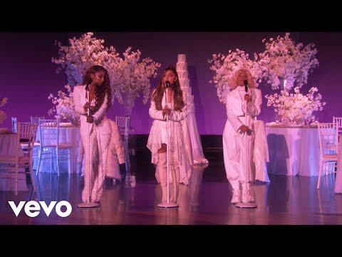 Ariana Grande - thank u, next (Live on Ellen  2018)