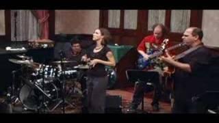 Maggie Green -  Bahia Com H