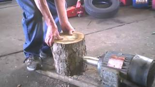 Totally Home Made Screw Log Splitter now with enough power.