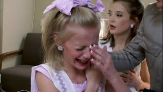 Dance Moms - Paige Gets Burnt by A Curling Iron (S1 E01)