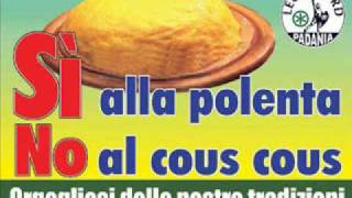 """Delirio su Radio Padania: """"La nostra gente non deve mangiare porcherie arabe"""""""