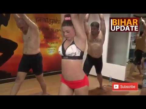 Xxx Mp4 Rakhi Sawant S HOT YOGA Celebrates International Yoga Day 21 June 2017 3gp Sex