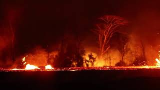 Video of lava flow from fissure 17 in Leilani Estates