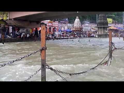 never seen water flowing so fast || har ki pauri ghat || ganga