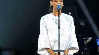 Diamond - Rihanna Diamonds Tour (Macau) 2013.09.13