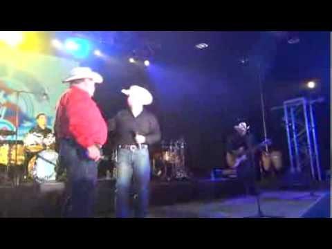 HOMETOWN BOYS Y RAULITO NAVAIRA 2013 TEJANO MUSIC CONVENTION